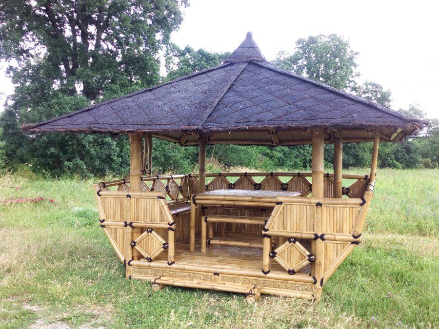 gaz bos abris de jardin paillotes en bambou maisons. Black Bedroom Furniture Sets. Home Design Ideas